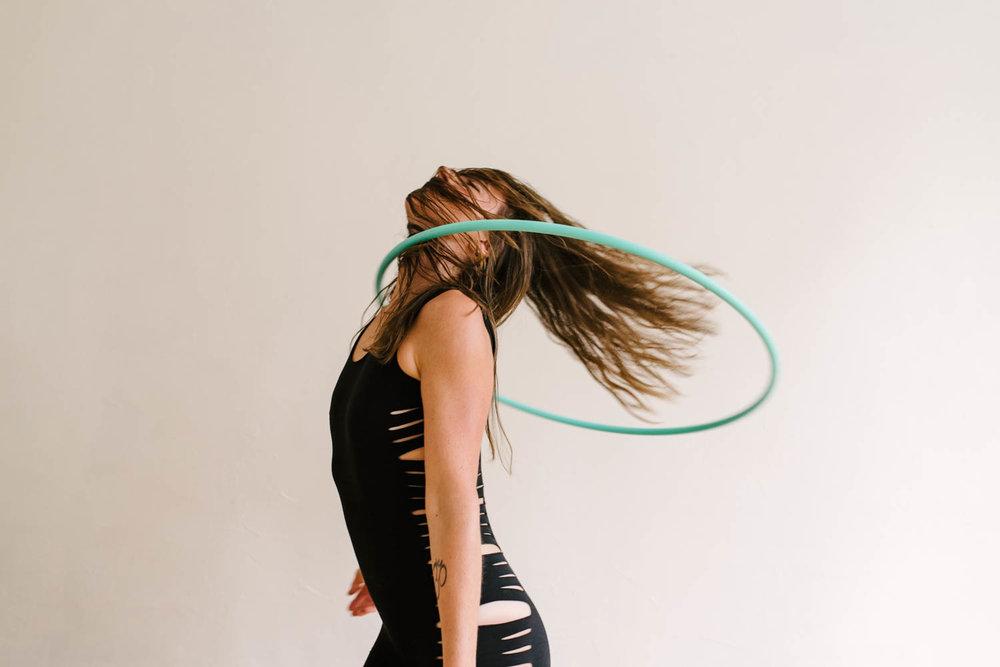 woman-with-hula-hoop-color-9-©Copyright-Elisabeth-Waller.jpg