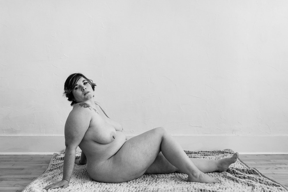 woman-nude-on-floor-reclining-looking-at-camera-boudoir-35©_Elisabeth-Waller.jpg