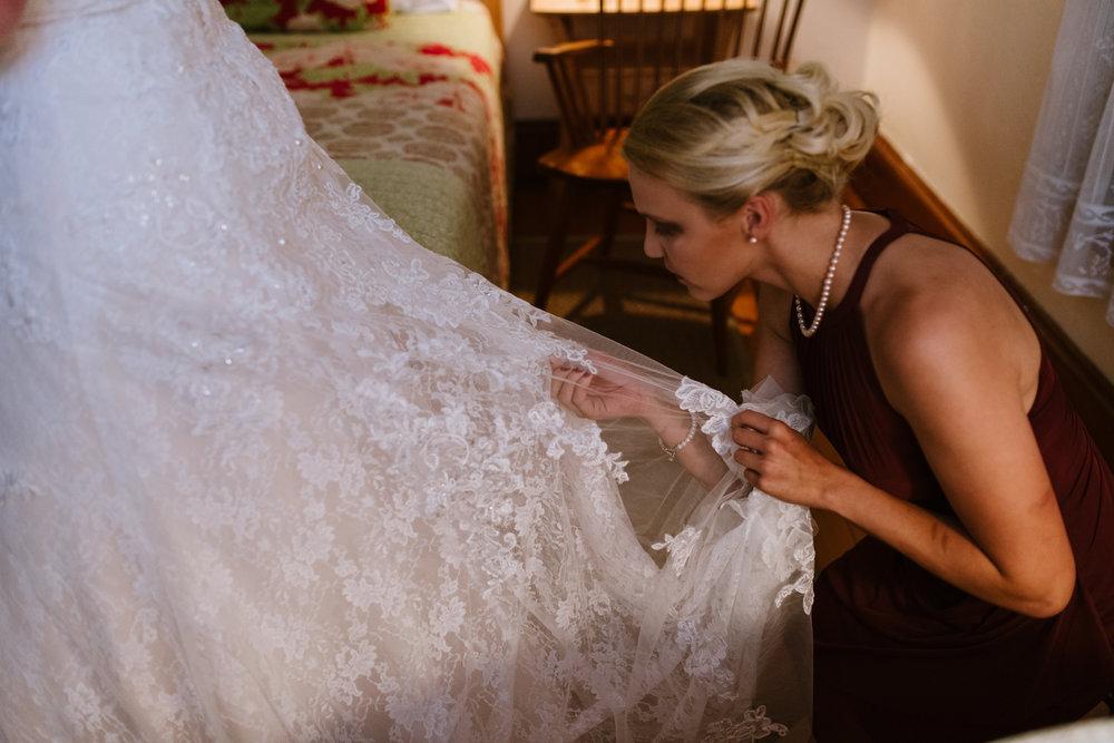 bustling-wedding-gown-25©_Elisabeth-Waller.jpg