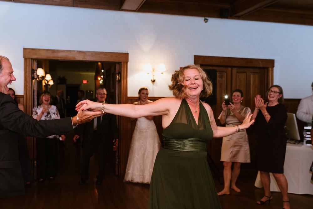wedding-dancing-29©_Elisabeth-Waller.jpg