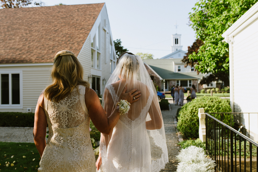 mother-and-bride-walking-wedding-photogapher-vermont-©Elisabeth-Waller.jpg