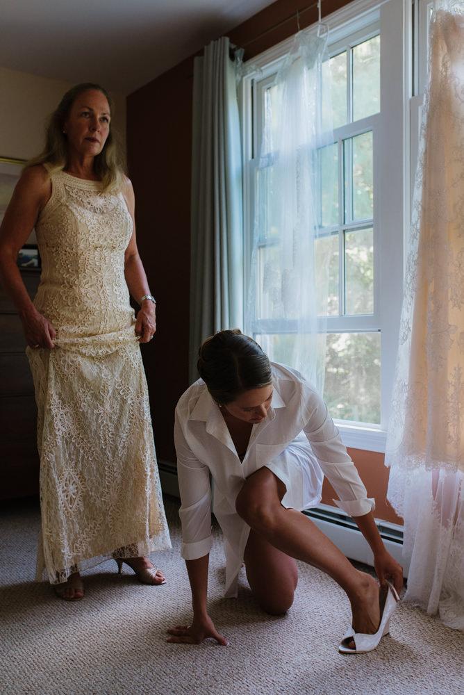 wedding-vermont-new-england-destination-elopement-photographer11©-Elisabeth-Waller.jpg