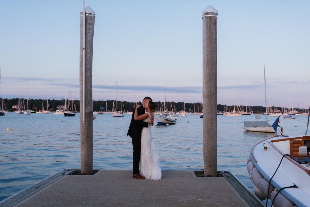 wedding-vermont-new-england-destination-elopement-photographer30©-Elisabeth-Waller.jpg