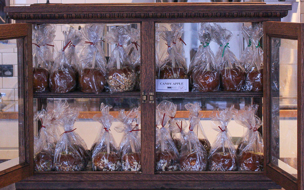 Thanks to Rachel Willis of Cakes by Rachel for providing Caramel Apples!
