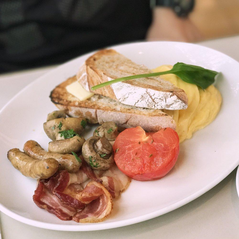 Full Aussie Breakfast.JPG