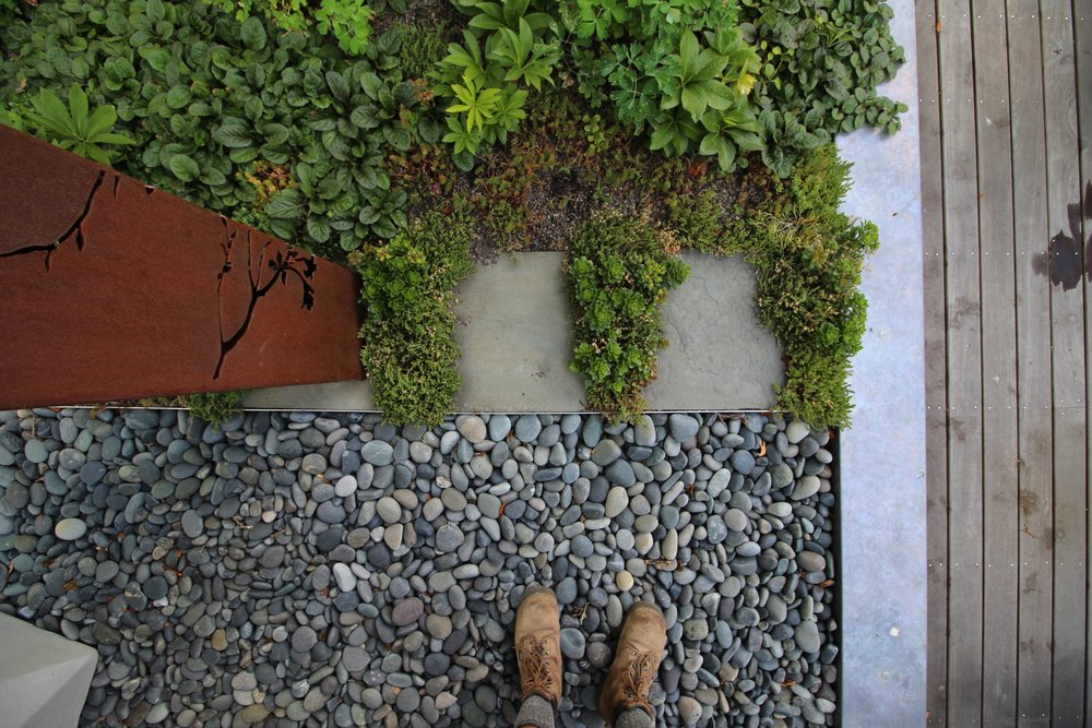 recover-green-roofs-sculpture-patio-2015-2774.jpg
