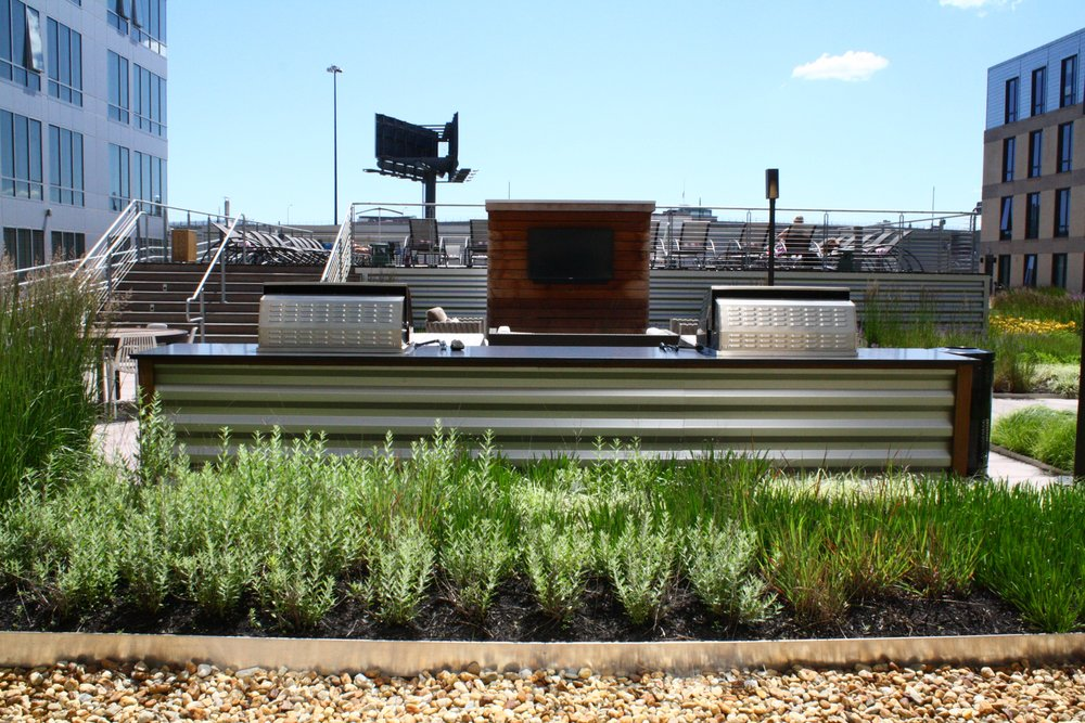 recover-green-roofs-ink-block-roof-lounge-2014-5.jpg