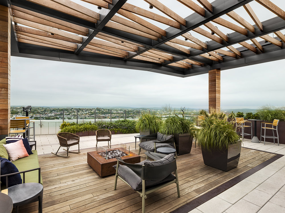 recover-green-roofs-patrick-rogers-photography-montaje-courtyard-skydeck-11-2018-7.jpg
