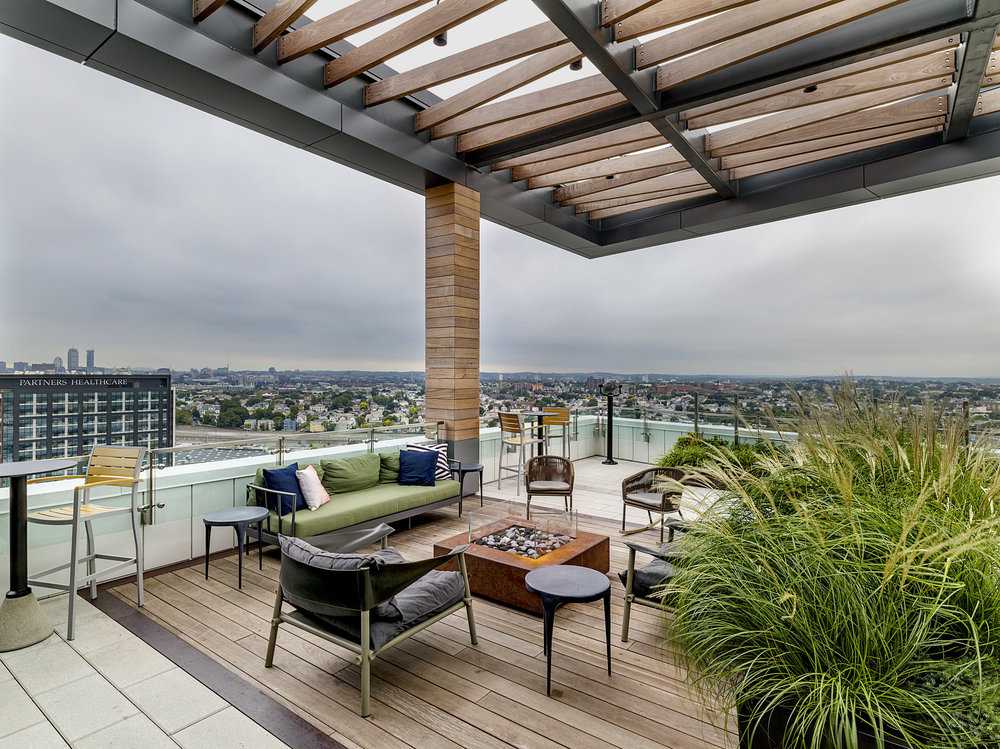 recover-green-roofs-patrick-rogers-photography-montaje-courtyard-skydeck-11-2018-18.jpg
