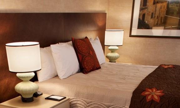 Casino Del Sol King Room.jpg