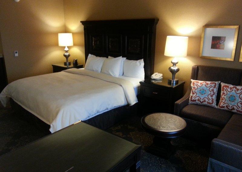 Hilton Santa Fe King Suite 2.jpg