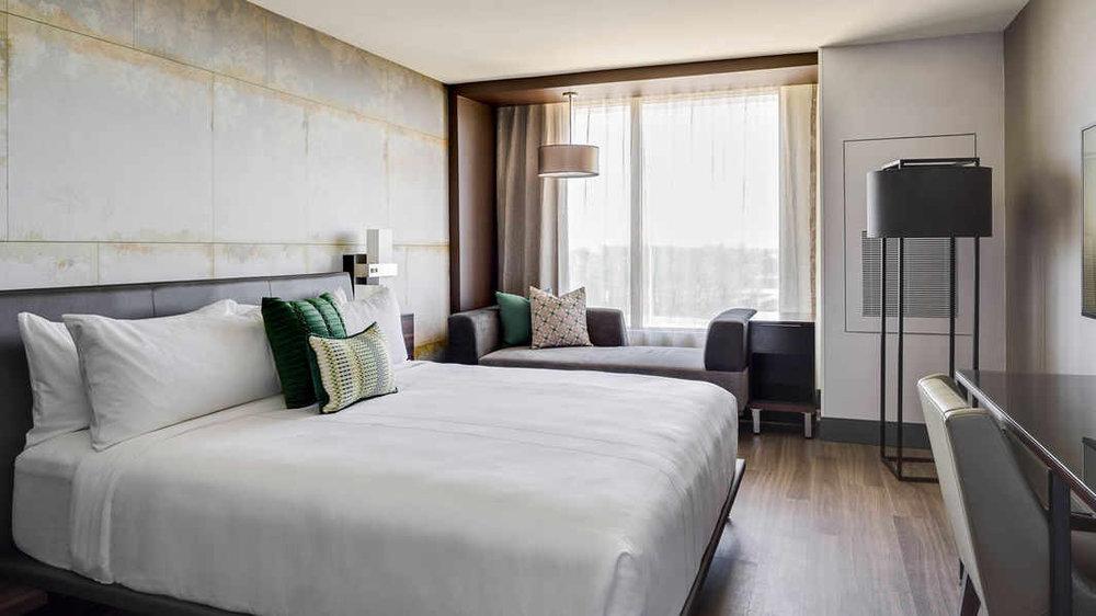 chsmn-guestroom-0043-hor-wide.jpg