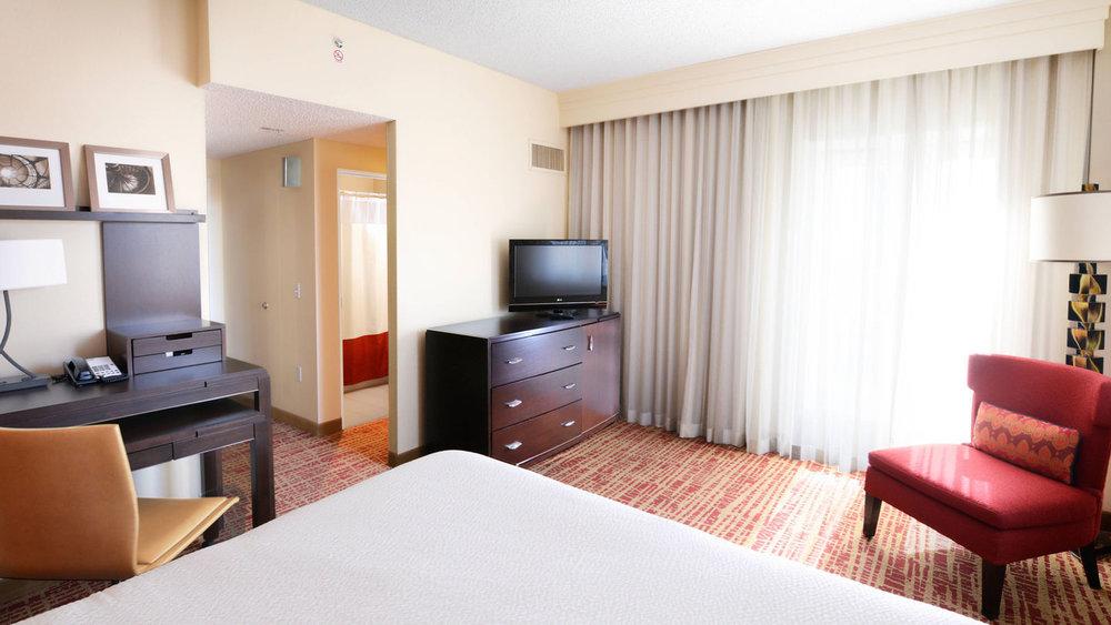 dfwms-guestroom-0057-hor-wide.jpg