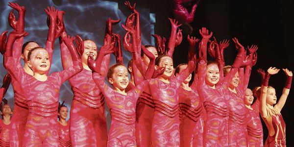 10.03.18 Green Spirits sorgen für farbenprächtige Auftritte