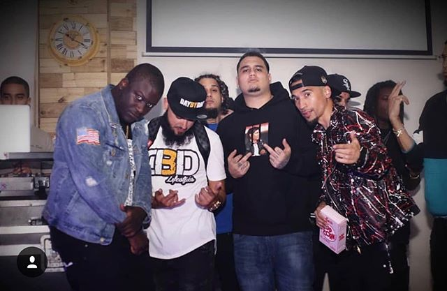 "There's no ""I"" in team, in order to accomplish great things, unity is required! @55bagz @cmgxbreezy @zoeydollaz @dbd_inc big things coming. #DXT #Freebandz #DBD #CMG #LightWorks"