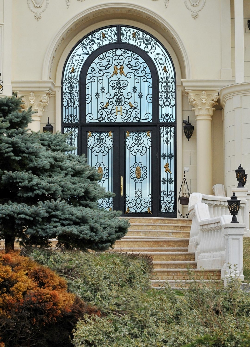 Grand entrances manhattan iron doors co for Grand entrance doors