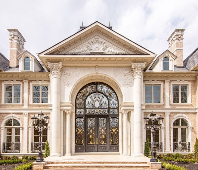 An amazing home in Virginia for which we designed and  fabricated the doors, sidelights and transom.