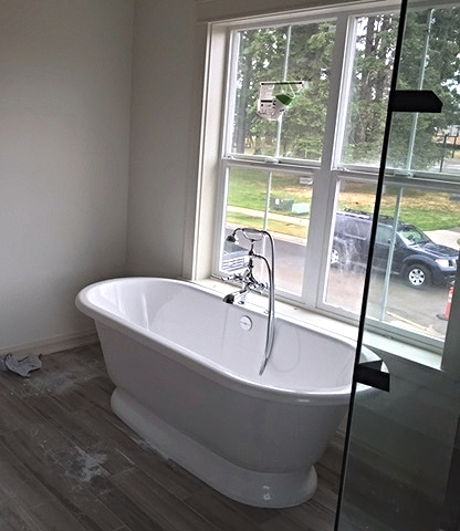 Master Bath's soaking tub!