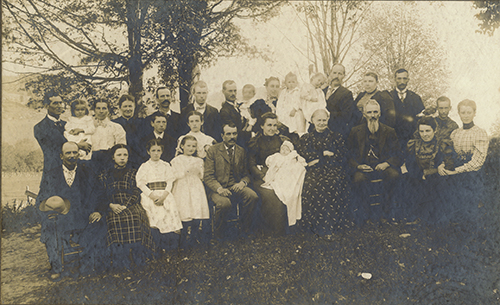 Flint Family Reunion, Braintree, VT 1899. Flint-DuClos Family Collection.