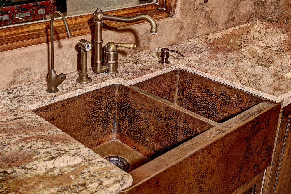 7112_e_wildcat_drive_MLS_HID853843_ROOMkitchensinkdetail.jpg