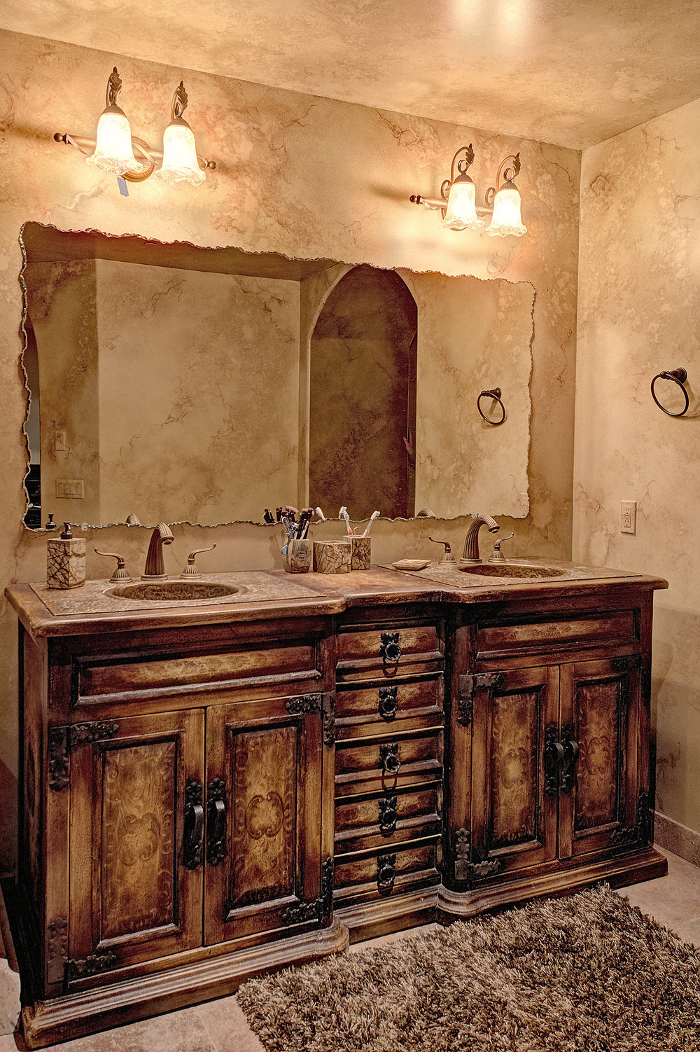 7112_e_wildcat_drive_MLS_HID853843_ROOMmasterbathroomsink.jpg
