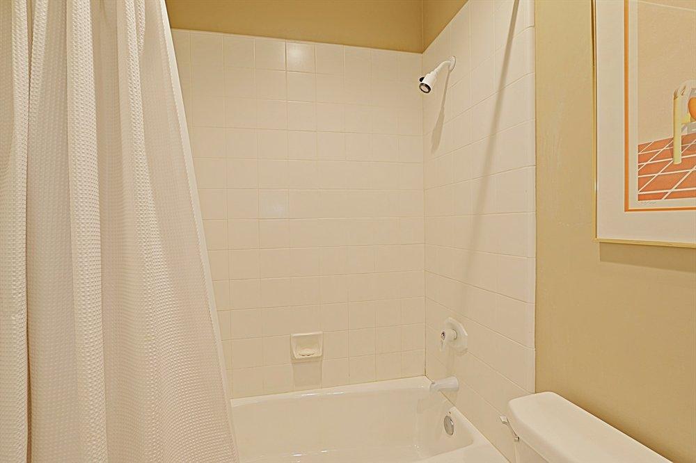 2nd Bath 2.jpg