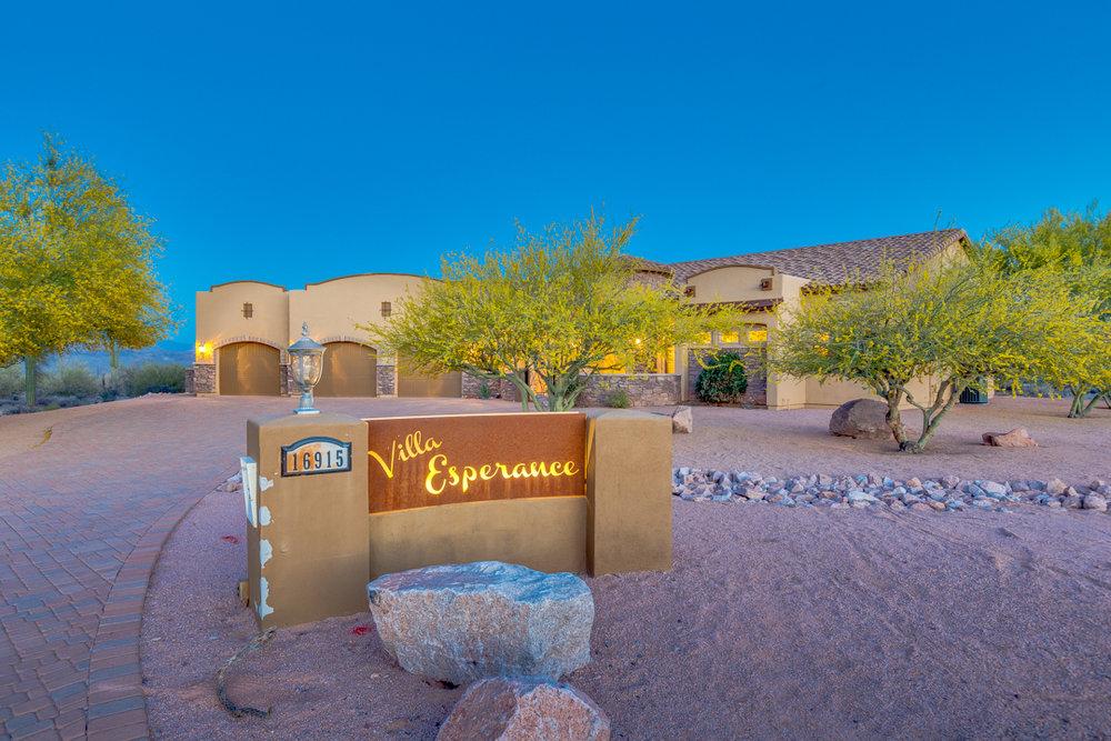 02-Desert Vista.jpg