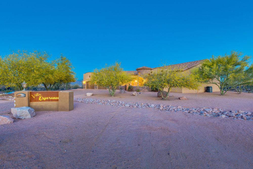 01-Desert Vista.jpg