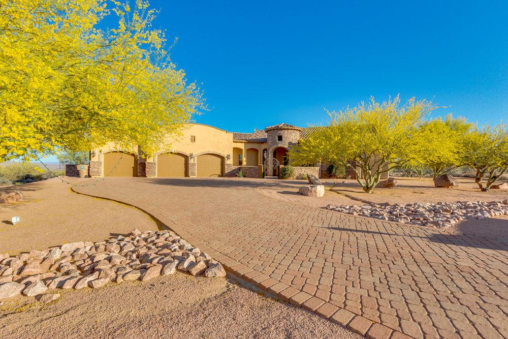 08-Desert Vista.jpg