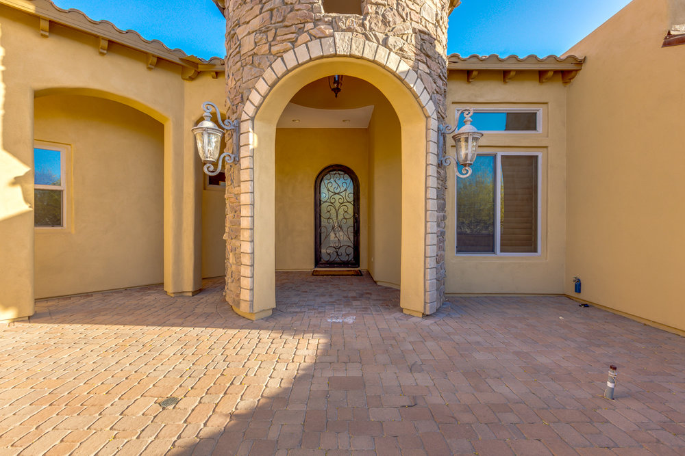 11-Desert Vista.jpg