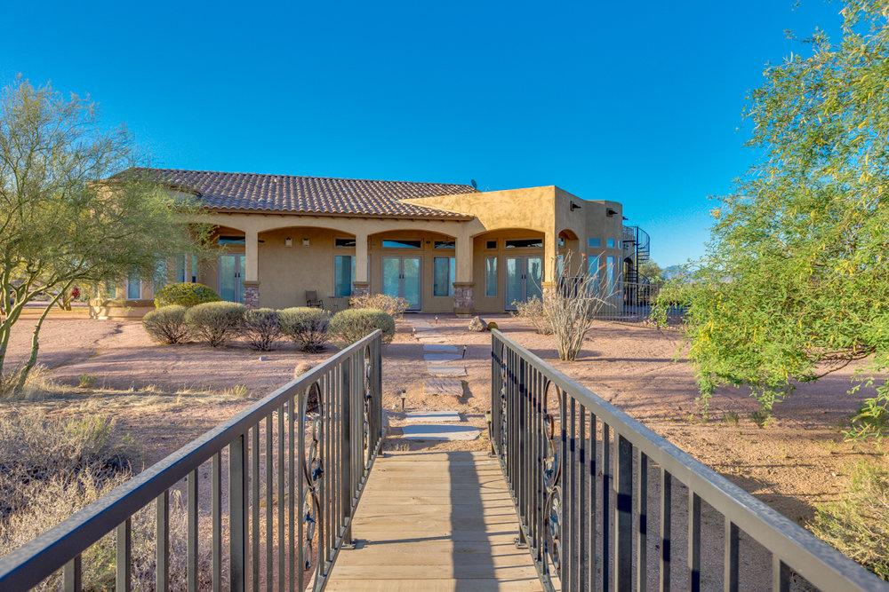 67-Desert Vista.jpg