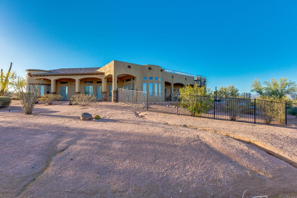 70-Desert Vista.jpg