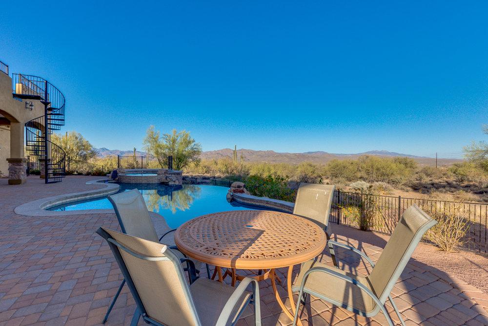 72-Desert Vista.jpg