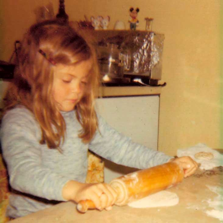 Traci---little-girl-tortillas-732x732.jpg