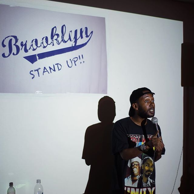 Comic @jordanrock843 had the audience in tears as he joked about his move to LA from NYC & transition from pot head to patient!  #brooklynstandupcomedy #COMEDY #FREENYC #NYCCOMEDY #ilovebrooklyn
