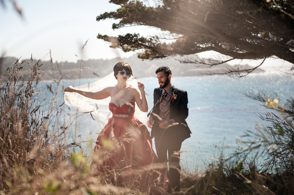 mendocino_redweddingdress_realwedding_ocean