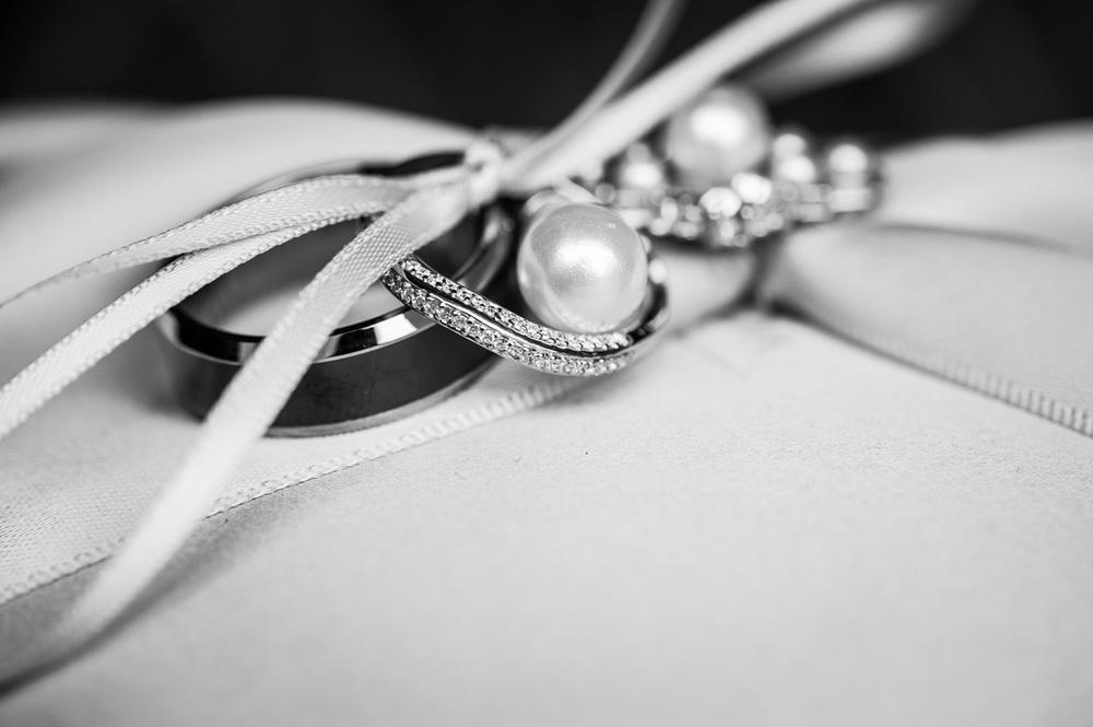 weddingrings_realwedding_bw_detail