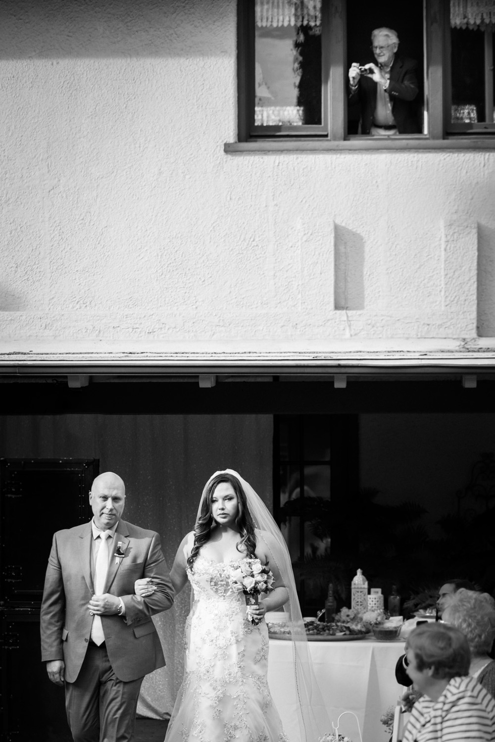 realwedding_diy_bride_bw_ceremony