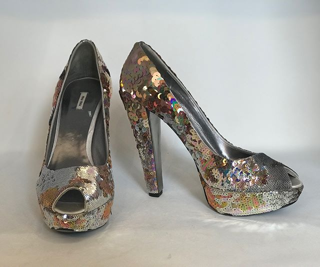 Miu Miu sequin heels - make a statement as we enter party season! Size 39, £49! Don't miss out! @miumiu @fusspottsoxted #miumiu #miumiushoes #fashion #style #nearlynew #preloved #designer #forsale #boutique #sequins #sequinshoes #party #partytime #partyseason #christmasparty #newyearseve