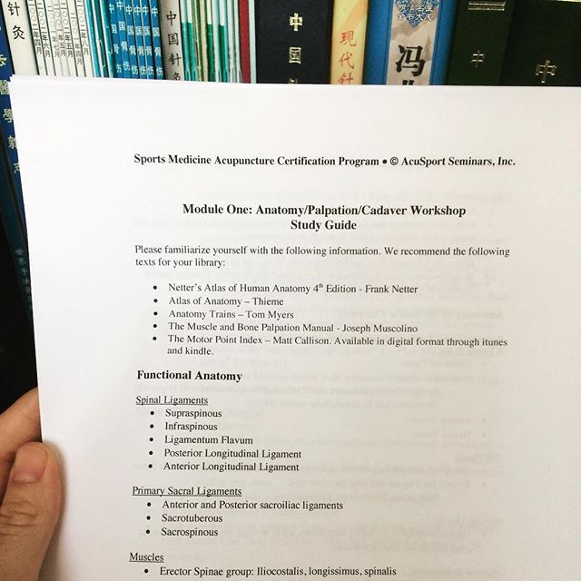 Just printed my week 1 study guide. So excited to start this year long orthopedic sports medicine program for acupuncturists! Day one...Cadaver lab 💁🏼👌🏼😬 #TCM #acupuncture #alwayslearning
