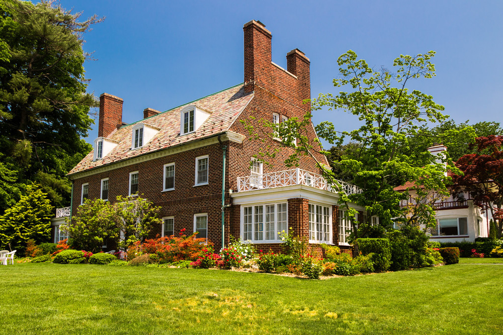 Douglaston Manor