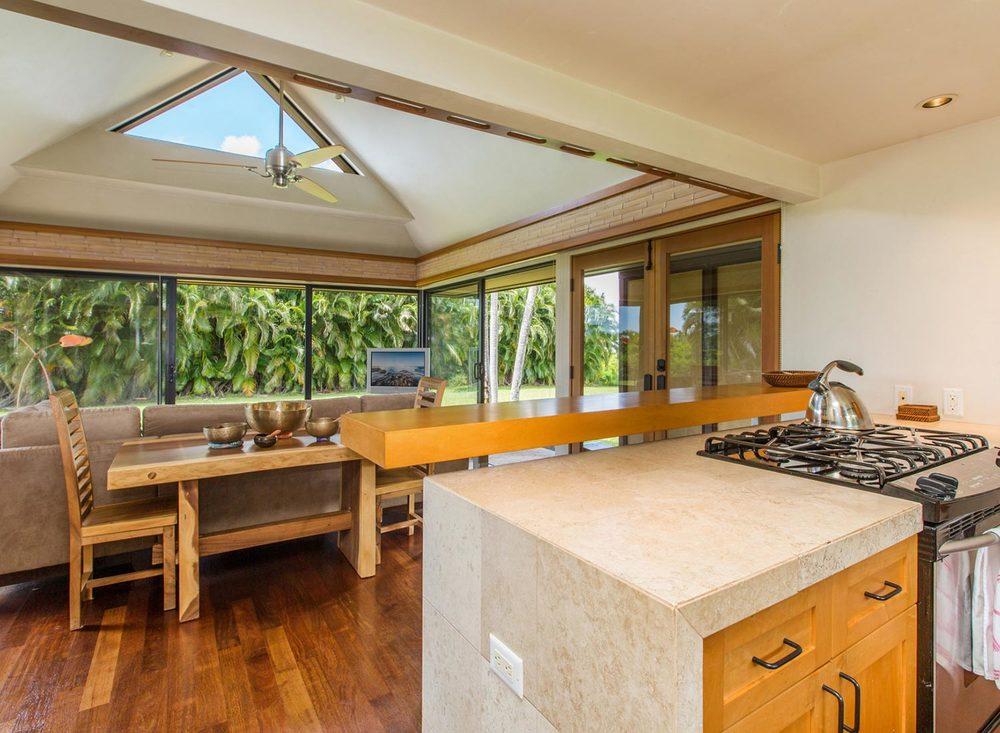 2.-Kitchen_Living-Area-1.jpg_1800x1200_2288175.jpg