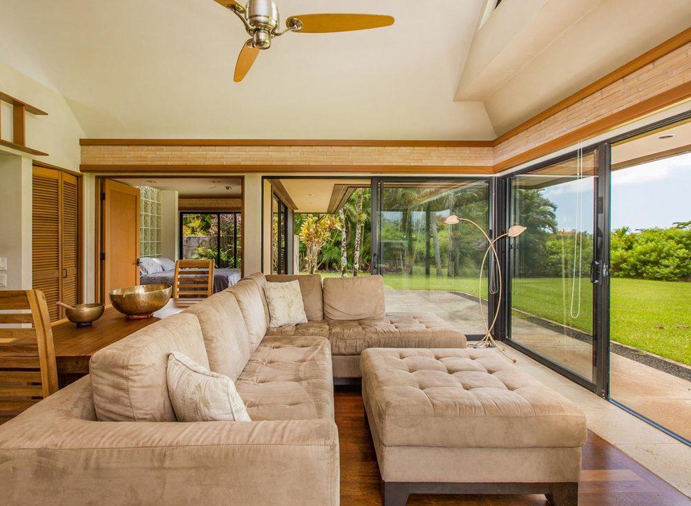 5.-Livingroom-1.jpg_1800x1200_2288178.jpg