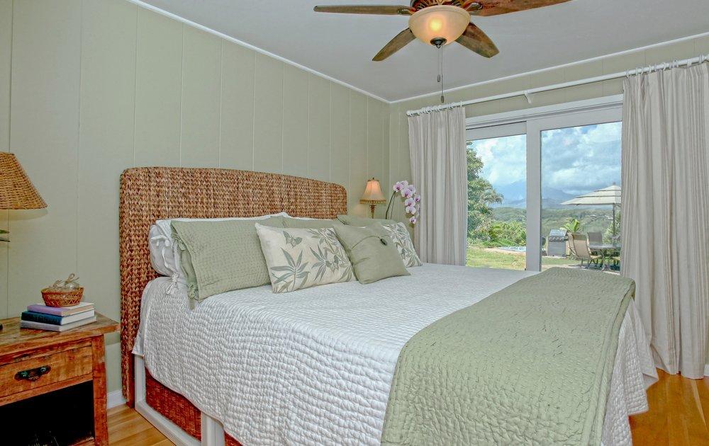 009_Master Bedroom.jpg
