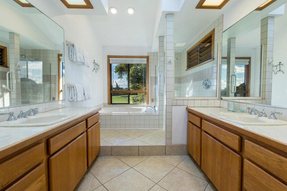 5260 Honoiki Rd Princeville HI-large-015-15-Master Bathroom-1500x1000-72dpi.jpg