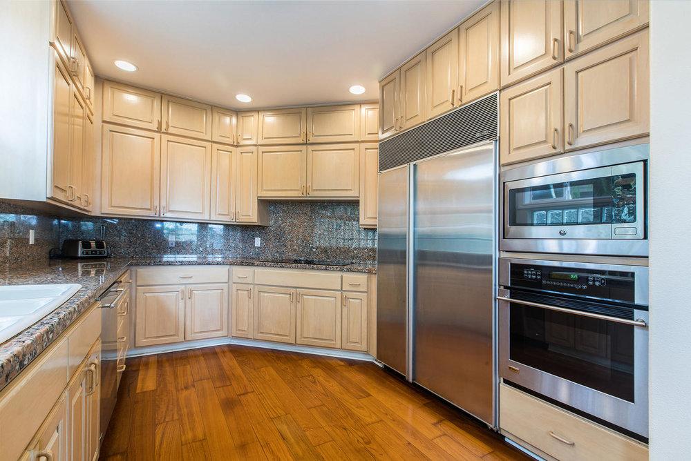 3991 Aloalii Drive Princeville-large-008-23-Kitchen-1498x1000-72dpi.jpg