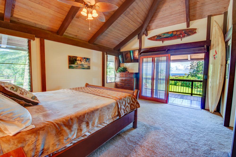 Master Bed_MLS_Blog.jpg