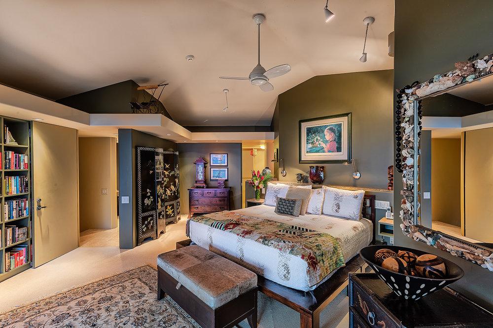 11 Master Bedroom 049.jpg