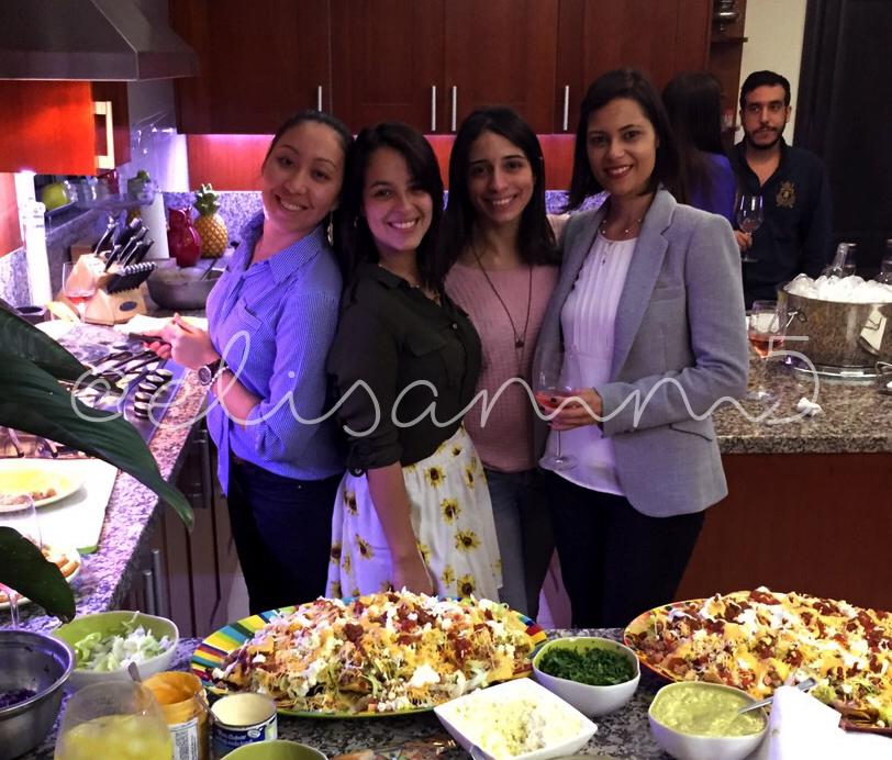 Y estas tres otra vez. Miyuki, Laura y Daniela... y José Pol atrás de colao.