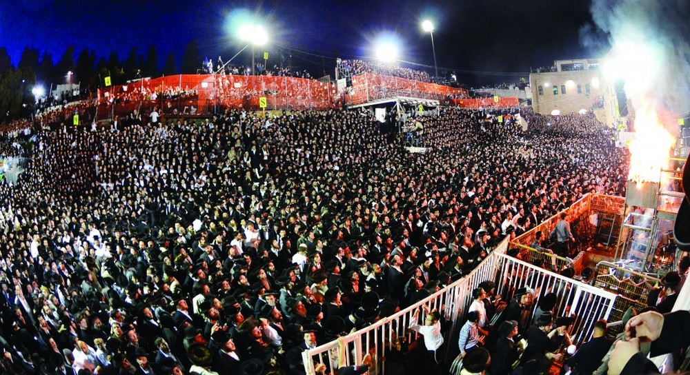 The crowd of over 600,000 people at the tomb of Rabbi Shimon Bar Yochai in Meron.
